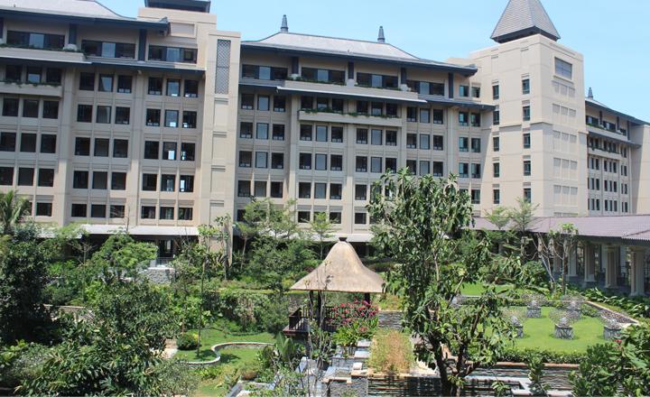 三亚雅居乐莱佛士酒店